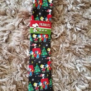 Peanuts Christmas tie